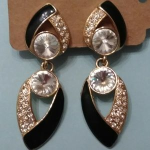 'Bijoux NY Designs' Vintage clip on earrings.